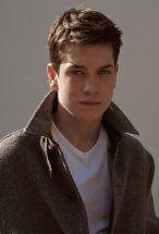 Liam James's primary photo