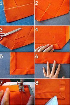 PASO A PASO:       1. Comienza cortando un rectángulo adecuado para tu mesa. Luego con la plancha marca lo que será el dobladillo en todo e...