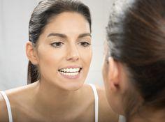 Als je ouder wordt, krijg je rimpels. Gezichtsoefeningen trainen de spieren in je gezicht. Lees meer over de natuurlijke facelift en de oefeningen!