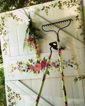 : Gardens Design Idea, Paintings Doors, Gardens Tools, Sheds Doors, Interiors Design, Gardens Gates, Gardens Doors, Outdoor Spaces, Old Doors