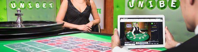 Ett riskfritt live-spel värt €5 delas ut till dig som spelar för minst €10 på något av våra Roulette- eller Blackjack-bord.