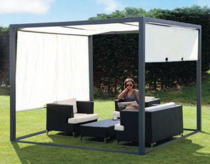 Kant en klare tuinpaviljoen. Schitterende prefab overkapping van staal met verschuifbare zonnedoek. Creeer een lounge plek in uw tuin met dit luxe terraspaviljoen van Buitenwarenhuis.nl.