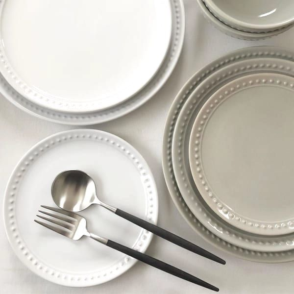 ダイソー セリア で発見 おしゃれな食器でテーブルを華やかに Folk ダイソー 食器 食器 ダイソー 皿