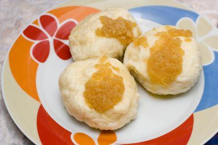 Cómo hacer dumplings (bolas de masa hervida) | eHow en Español