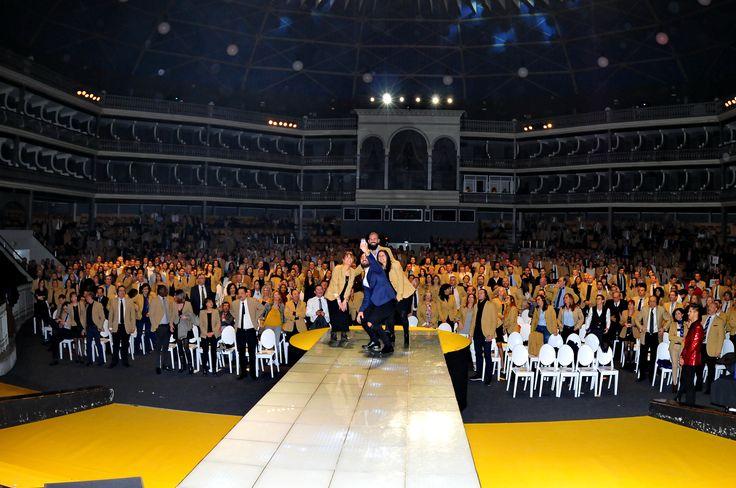 Selfie del equipo de marketing de CENTURY 21 Portugal y España durante la Convención en el Coliseu dos Recreios de Lisboa