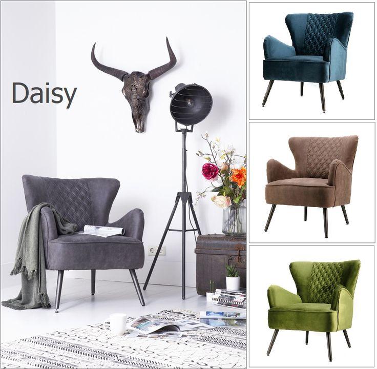 Elegante fauteuil met een klassiek design. Fauteuil Daisy van Eleonora heeft moderne bekleding; Genova (velvet stof) of Jeep (PU-leer) in 6 hippe kleuren; groen, geel, blauw, antraciet, lichtgroen en taupe. Met stoer metalen poot en sierlijk geronde armleuning. De fauteuil heeft een mooi geruit stiksel in de rugleuning. Bekijk deze luxe fauteuil bij van de Pol Meubelen.