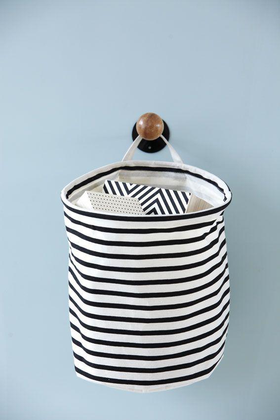 Nice storage bag! http://www.stoerinstyle-shop.nl/a-36628391/house-doctor/storage-stripes/
