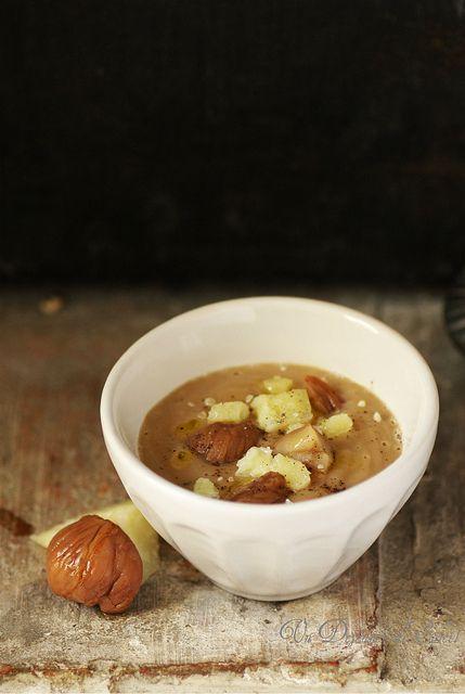 Un dejeuner de soleil: Soupe veloutée de châtaignes, pecorino et huile de...