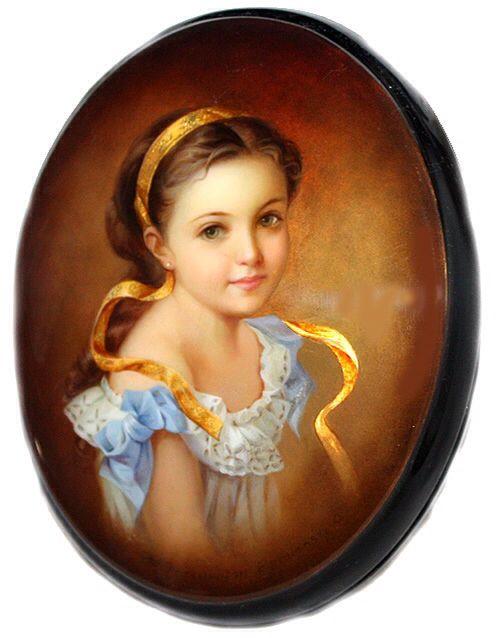 """Girl With A Ribbon"" Lacquer Art by Olga Borisova (Fediskino)"