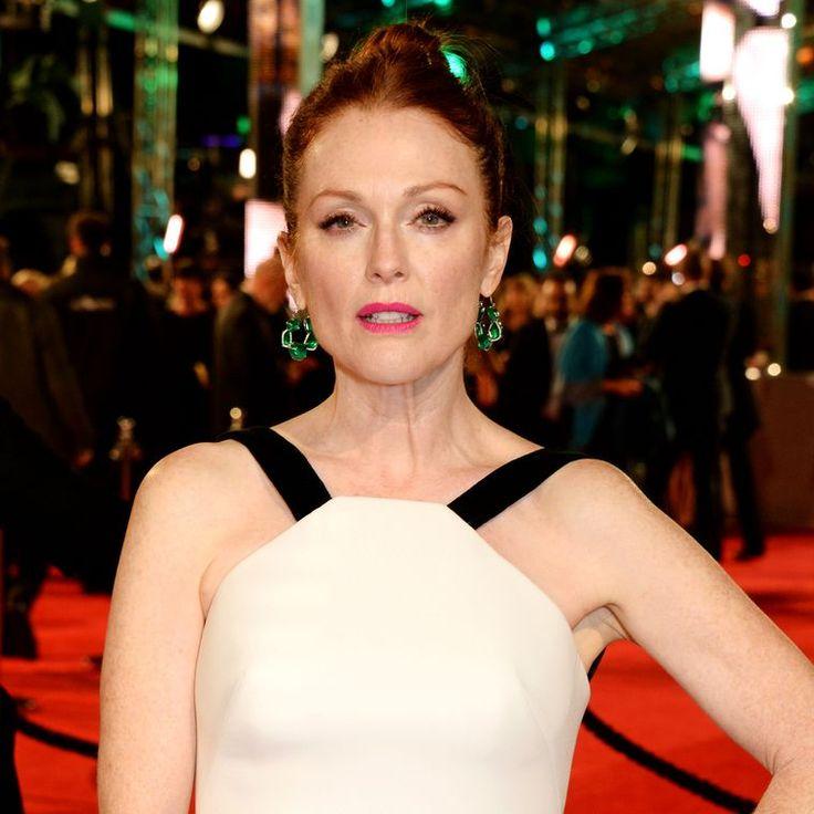 Julianne Moore wears Chopard emerald earrings to BAFTAs 2016