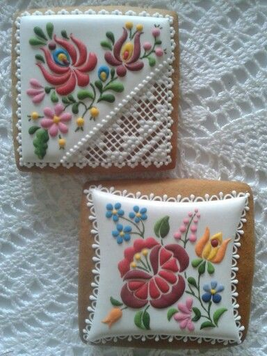 Hungarian-style embroidery and lace cookies