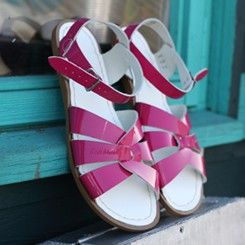 These hot pink patent Saltwater Sandals are definitely on the top of my Summer wishlist!