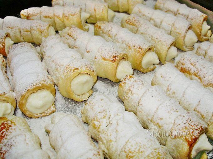 Recept na šamrole so snehom z pečených jabĺčok a z cesta nie lístkového, ale smotanového. Tento rozpis je presne na 30ks väčších trubičiek.