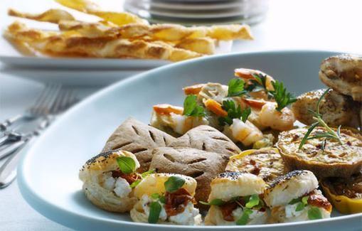 Parmesaani-juustotikut