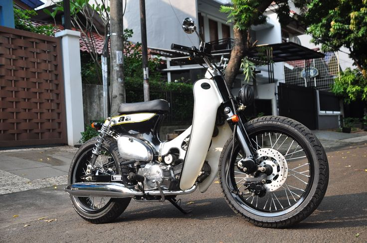 """Street Cub """" Stronghold """" by Newspeed Garage. A Street Cub with classy look but we put 125cc Engine for this one, classy and rough"""