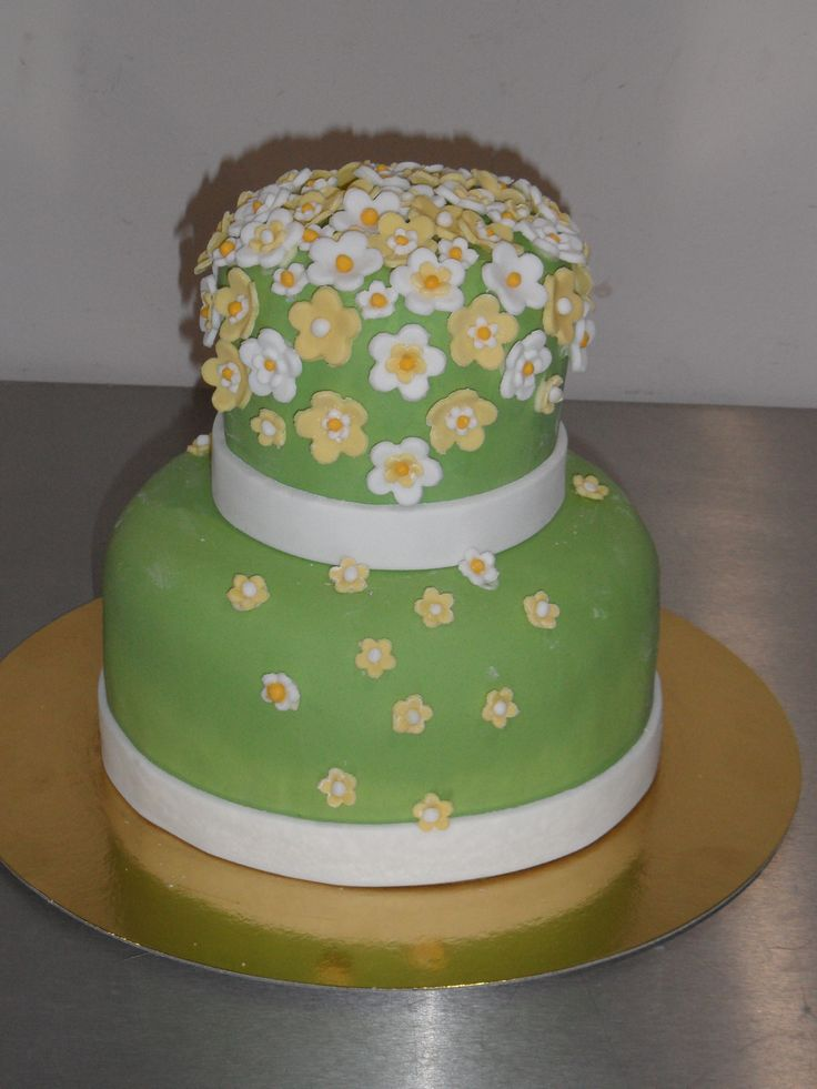 Virágos torta