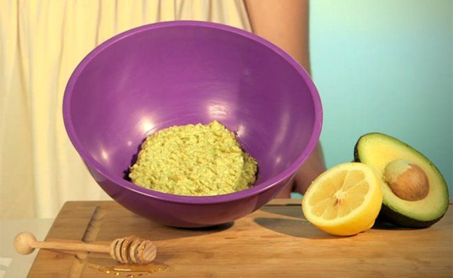 Whip up this all-natural, intensely moisturizing face mask using half an…