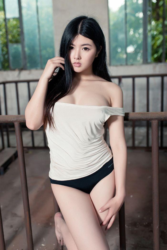 童颜巨乳娜露Selena学校私拍秀肥臀(图47)