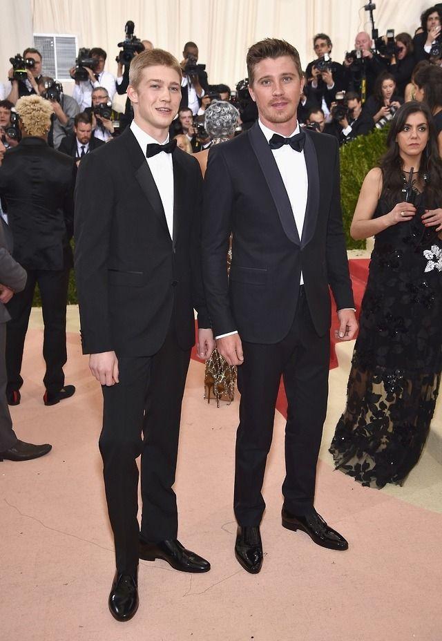 Saintlaurentproblems So Taylor Started Dating Tom After Meeting Him At The Met But Wrote A Song Ootd Outfit Outfits Met Gala Garrett Hedlund Met Gala 2016