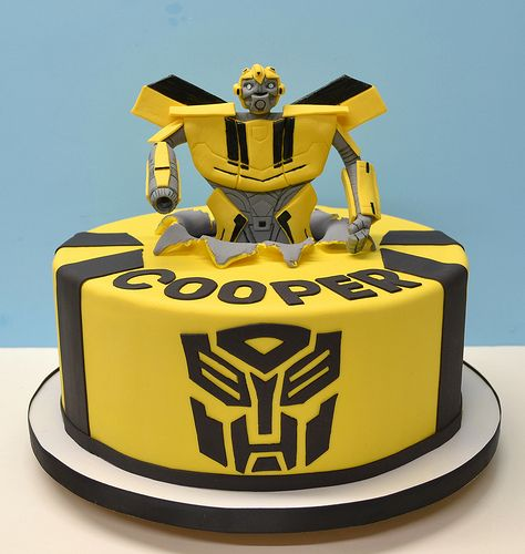 Less detail half body Bumble Bee Transformer Cake