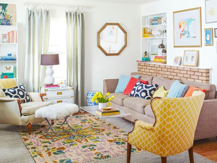 It may have been pulled together on a shoestring, but this home from #HGTVMagazine has good looks to spare. http://www.hgtv.com/design/decorating/design-101/a-house-with-lots-of-style-on-a-little-budget-pictures?soc=pinterest