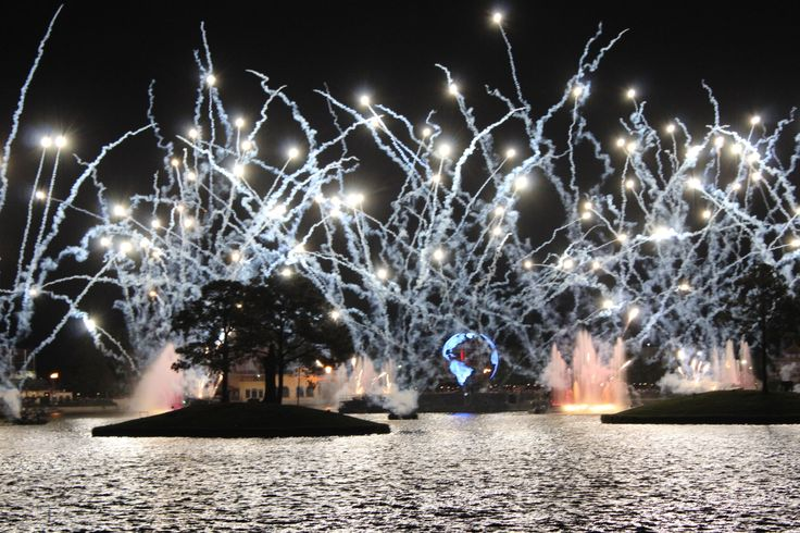 Epcot fireworks Illuminations April 11, 2017 Photo by Genevieve Gauna #epcot #waltdisneyworld