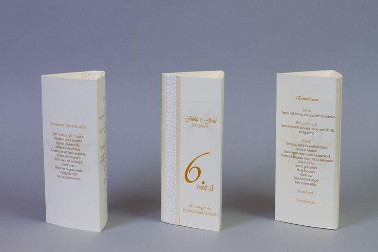 Csipkés menüháromszög, csipkés esküvői dekoráció