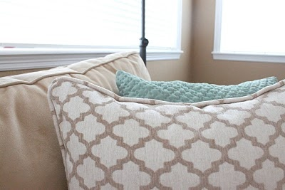 I never knew how to create your own piping... and came across this great/simple tutorial. Now I can make a pillow with piping! Looks so much more finished and doesn't look DIYed which is the idea. (for me anyway.)