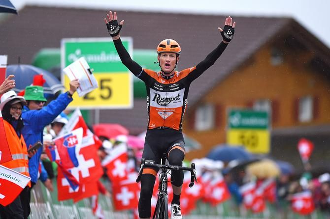 Pieter Weening wins stage 6 at the Tour de Suisse