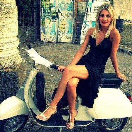 Scooter Girl Vespas 73