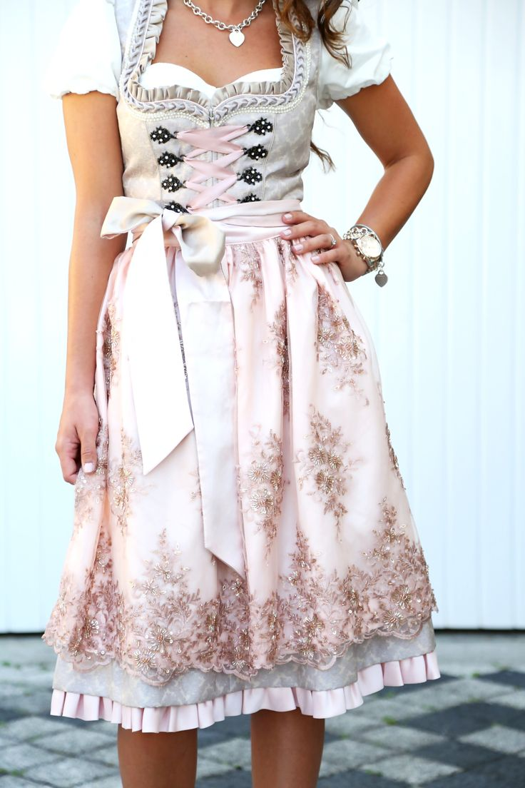 krüger-feelings-by-anni-dirndl-kollektion-rosa-kleid-glitzerschürze