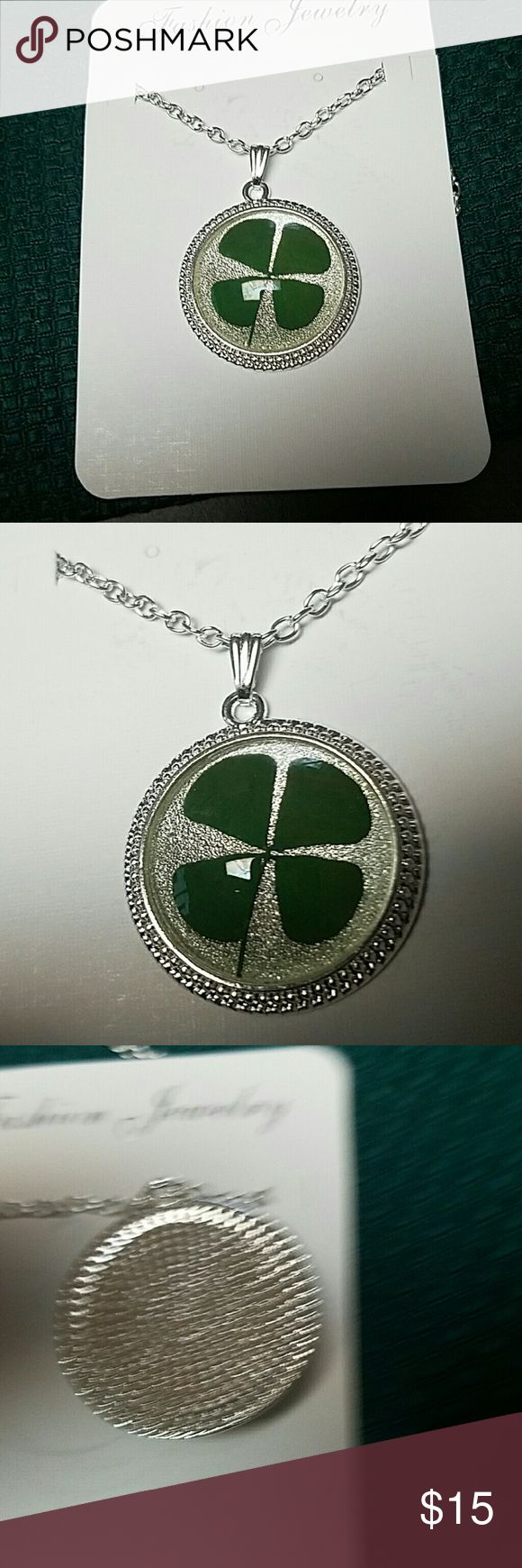 Green lucky shamrock necklace four leaf clover charm emerald green - New Real Shamrock Four Leaf Clover Necklace Nwt
