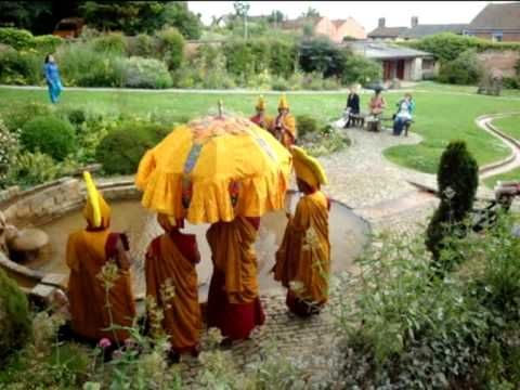 TIBETAN Chant & RAINBOW...Sacred blessing at Chalice Well, Vallis-Davies Film music