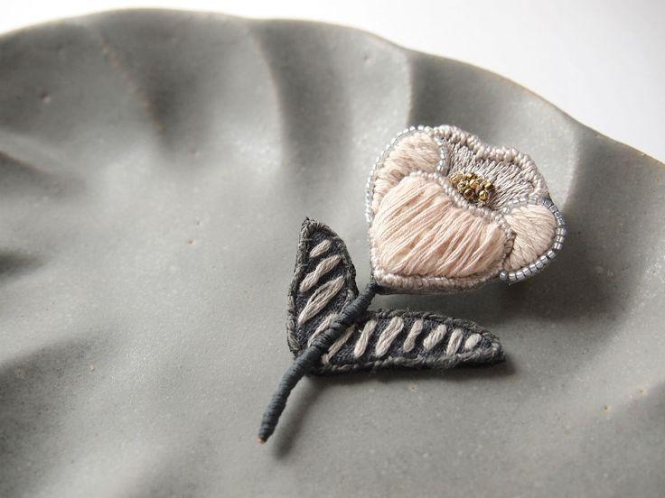 petit flower 刺繍 ブローチ no.13の画像3枚目