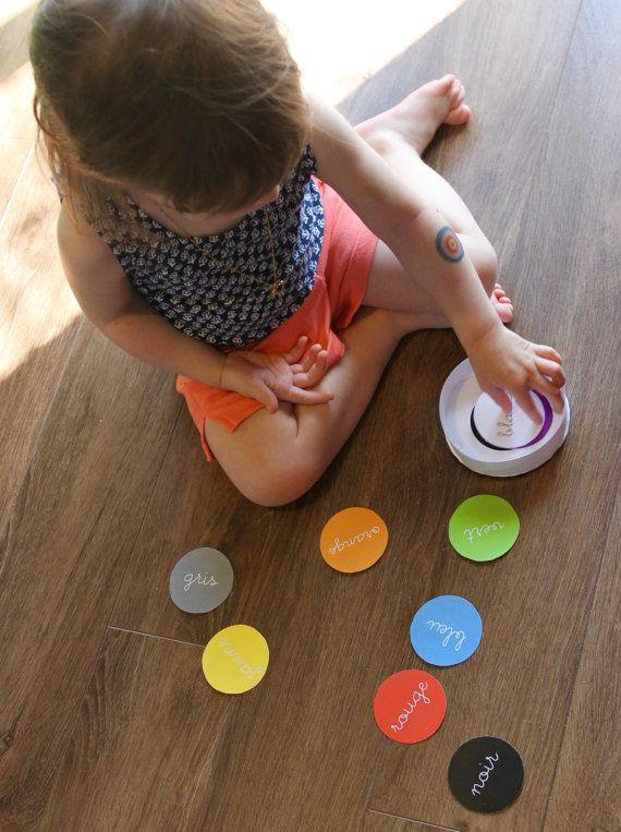 ❤ BOÎTES ÉVOLUTIVES À FORMES ET COULEURS: CARRÉS, CERCLES ET TRIANGLES ❤ DESCRIPTION Pour apprendre à vos enfants la classification des formes