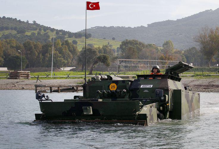 Türk Silahlı Kuvvetleri Kunduz istihkam iş makinesi - https://teknoformat.com/kunduz-amfibi-zirhli-istihkam-is-makinesi-11160