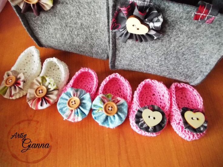 Che ne dite di fare due passi? Magari digeriamo un pò!!! #cucitocreativo #handmade #regalahandmade #babyshoes