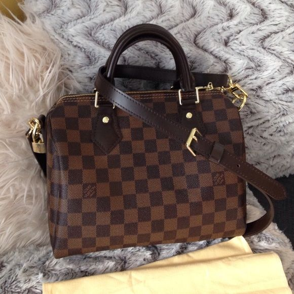 5eb0eb103ad2 Speedy Bandouliere 25 Open to reasonable OFFERS! Please don t ask the  obvious price reflects authenticity! NO trades!!! NO pp!!!! Louis Vuit…