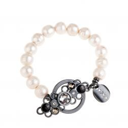 A lot of pearls and crystals in our SODA collection by Anna Orska.