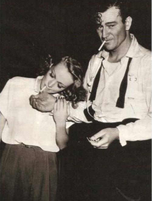 Marlene Dietrich y John Wayne