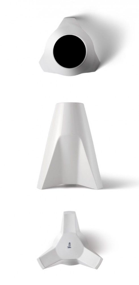 Porcelain Vase by Thomas Feichtner