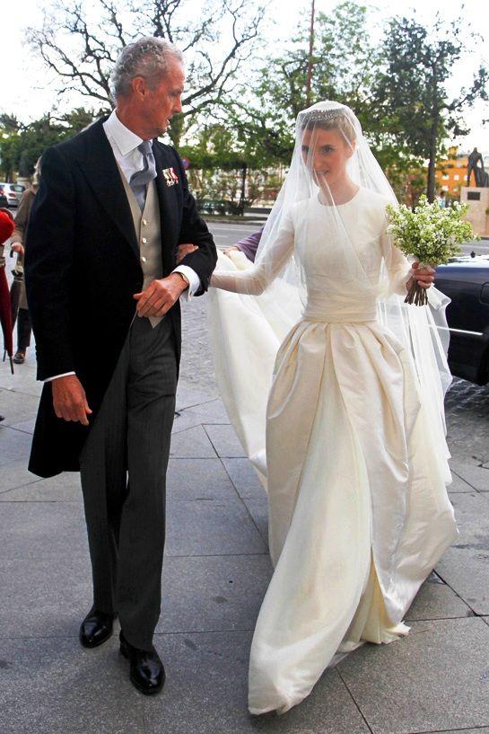 Navascues Buscar Con Google Wedding Dress Pinterest