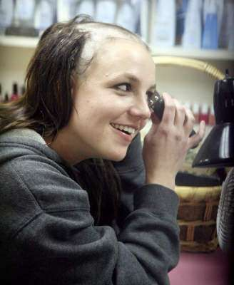 Britney Spears Bald Pictures #hairstyles