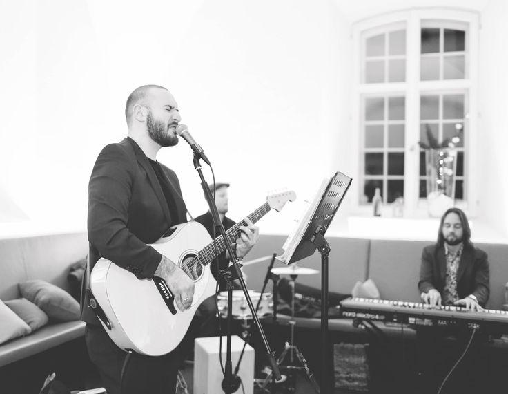 #live #weddingparty #weddingfun #hochzeit #hochzeitstag #heiraten #musik #live #bride #bridal #weddingday #weddingband #weddinghour #love #party #hochzeitsfotograf #hochzeitsfeier #heiraten #nürnberg #münchen #ingolstadt #regensburg #braut #fotografie #hochzeitsfotografie #weddingphoto #marriage #married #marry