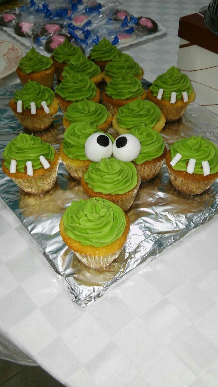 Cocodrilo hecho con cupcakes...