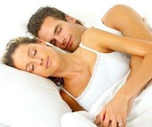 Как спать, чтобы выспаться и сохранять бодрость в течение дня?.. http://ukrainianwall.com/health/kak-spat-chtoby-vyspatsya-i-soxranyat-bodrost-v-techenie-dnya/  Здоровье любого человека очень сильно зависит от качества сна. Закон природы прост: солнце встало – нужно вставать и делать что-то. Солнце село – пора ложиться и снижать активность до минимума.