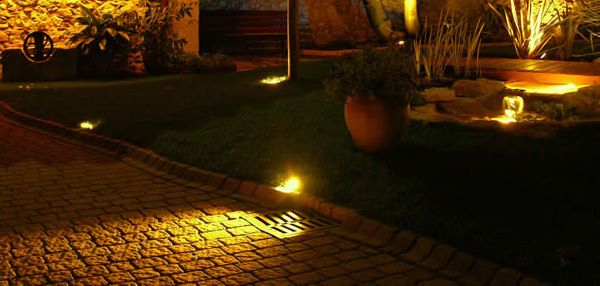 1000 ideas about luminaire ext rieur on pinterest for Eclairage exterieur led pour allee jardin