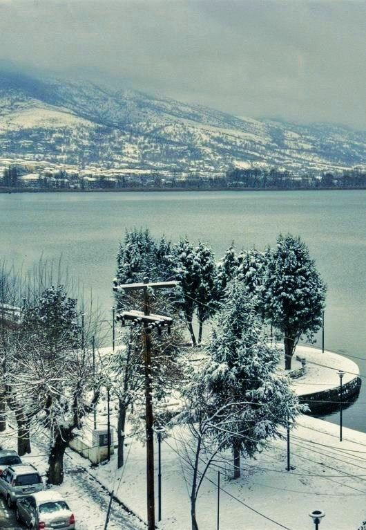 The lake of Kastoria in snow... Kastoria, Greece