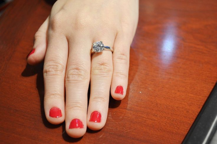 What Different Engagement Ring Diamonds Look Like on Real Hands | POPSUGAR Fashion UK