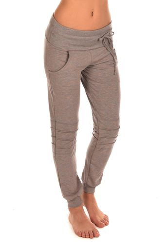 Made from bamboo french terry!  Get on my legs now! Available in black only https://www.elevateactivewear.ca/webstore/cora-pant/dp/20643